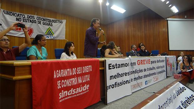 Servidores municipais da Saúde se revoltam com proposta do Paço e decidem manter greve