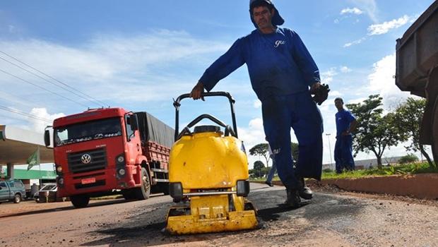 Apesar das chuvas, Prefeitura não paralisa os serviços de tapa-buracos
