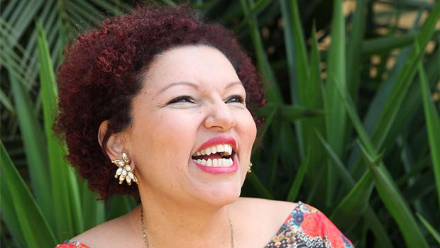 Disco de alta qualidade sugere que o Brasil precisa descobrir a grande cantora Cláudia Vieira