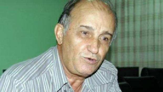 Ex-deputado Derval de Paiva assume a presidência do partido e põe fim a uma briga pelo comando do PMDB que poderia terminar na Justiça