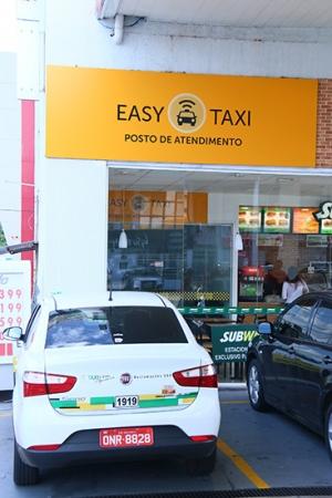 Central de atendimento do Easy Taxi fica na Avenida 85, em Goiânia | Foto: Fernando Leite/Jornal Opção