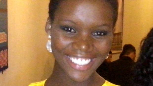 Racismo: jornalista Cristiane Damacena é negra, jovem e linda | Foto: Reprodução/Facebook