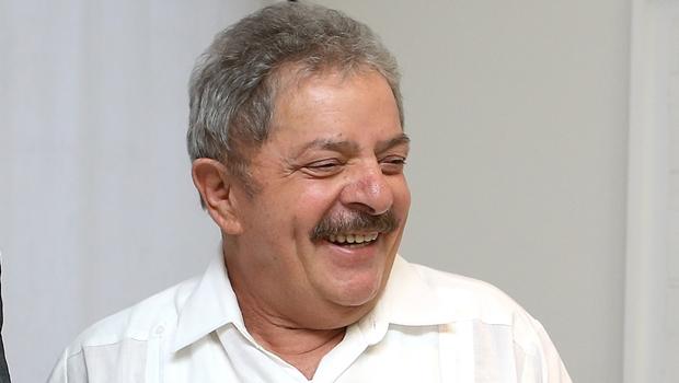 """Lula ironiza pastores evangélicos: """"Você está desempregado, é o diabo. Está doente, é o diabo"""""""