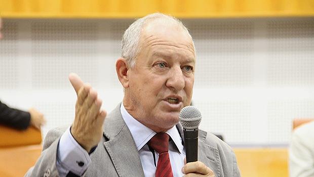 Vereador Milton Mercez, do PTB, está com identificação errada na Casa   Foto: Alberto Maia/Câmara de Goiânia