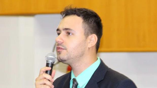 Vereador do PMDB quer apurar mau cheiro de frigorífico da JBS na Região Noroeste