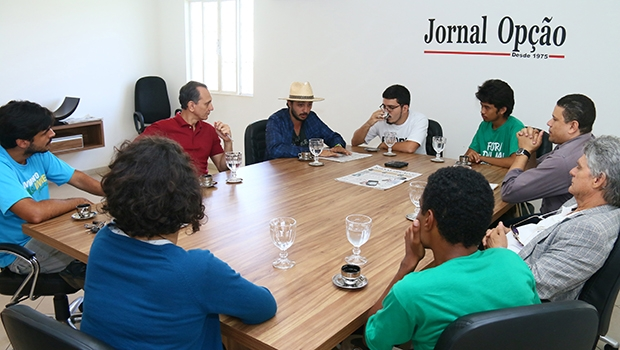 Movimento Brasil Livre na sala de entrevista com a equipe do Jornal Opção: discurso liberal e luta pela extinção do PT | Foto: Fernando Leite / Jornal Opção