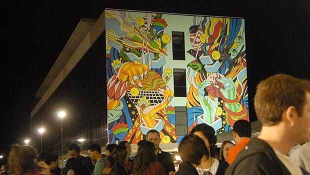 Imagem do painel durante o Festival Bananada   Foto: Marcello Dantas / Jornal Opção