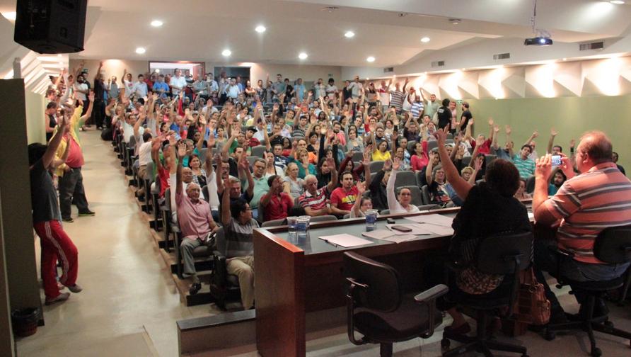 Servidores administrativos da UFG, IFG e IF Goiano entram em greve