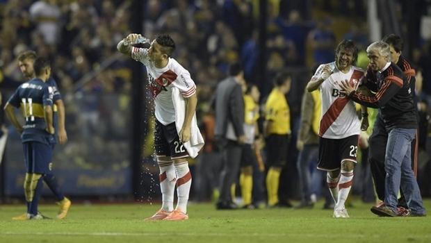 Jogadores do River Plate foram atingidos por spray de pimenta