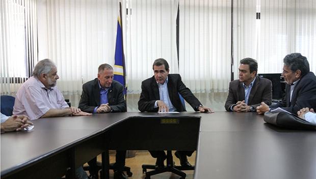 Prefeito João Gomes se reúne com  representantes do setor produtivo para discutir novo Plano Diretor   Prefeitura de Anápolis
