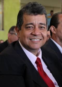 Sobre a fiscalização, o ex-secretário Giovanny Bueno diz que é necessário fazer um recadastramento geral dos feirantes| Foto: Divulgação Facebook Semic