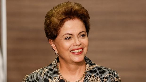 Dilma sanciona com vetos o projeto de lei das domésticas