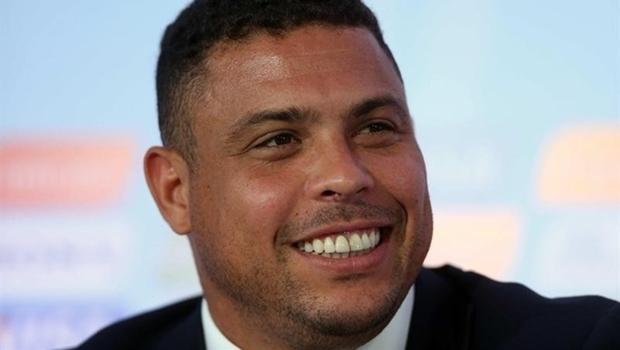Ronaldo também elogiou a iniciativa de Romário em instituir uma CPI para investigar a CBF|Foto: Marcelo Sayão (EFE)