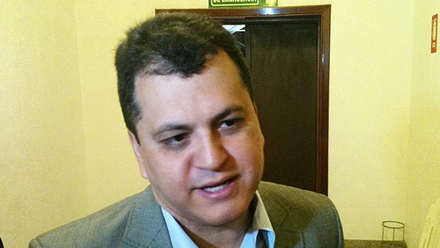 Agenor não opina sobre gestão de Paulo Garcia por não ter acesso aos dados da prefeitura