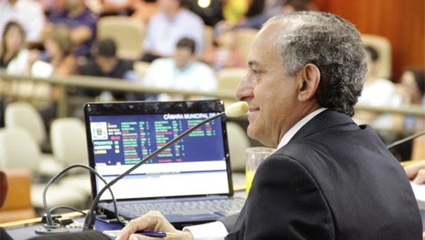 Presidente Anselmo Pereira garante sessões extras para votar projeto | Fotos: Alberto Maia/Câmara de Goiânia