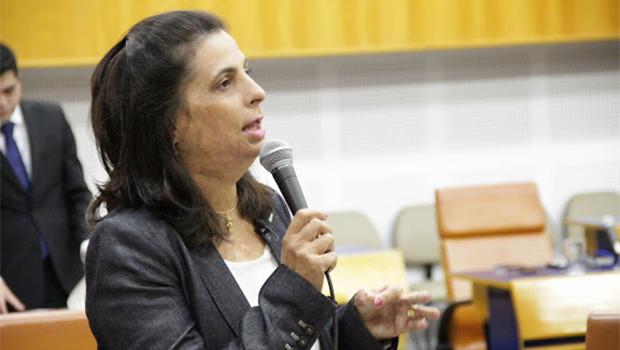 """Ninguém está sabendo de nada"", afirma Dra. Cristina sobre candidatura de Vecci"