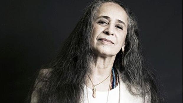 """Bethânia sobre sua biografia: """"Não autorizei ninguém a escrever. Quem quiser escrever, pode escrever"""""""