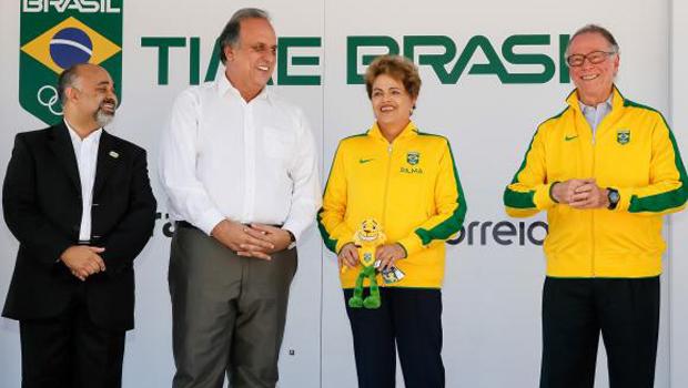 """""""Todo mundo tem direito de criticar, principalmente o Lula"""", diz Dilma Rousseff"""