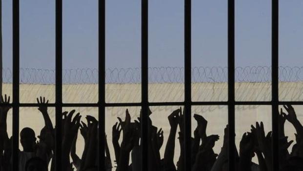 População carcerária do Brasil cresce 74% em sete anos