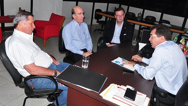 Prefeitura discute melhorias para contorno viário em trecho da BR-060
