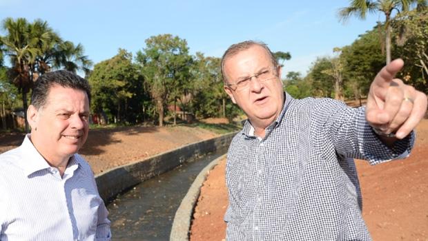 Prefeito Paulo Garcia e governador Marconi Perillo em vistoria de obras da Prefeitura de Goiânia: distensão nas relações entre gestores favorece a população | Foto: Wagnas Cabral