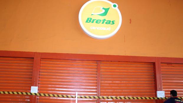 Bretas é interditado por venda de produtos vencidos e com fezes de pombo