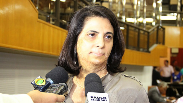 Ala do PSDB cobra candidatura de Cristina Lopes à Prefeitura de Goiânia