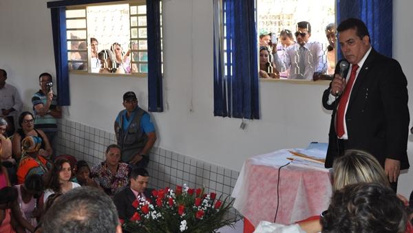 Presidente discursa durante visita a Cavalcante