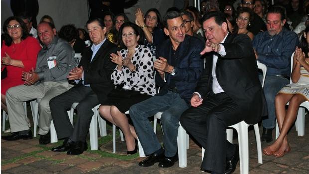Acompanhado do presidente do STJ e da vice-presidente do Supremo Tribunal Federal (STF), governador assistiu ao curta-metragem goiano Cabocla