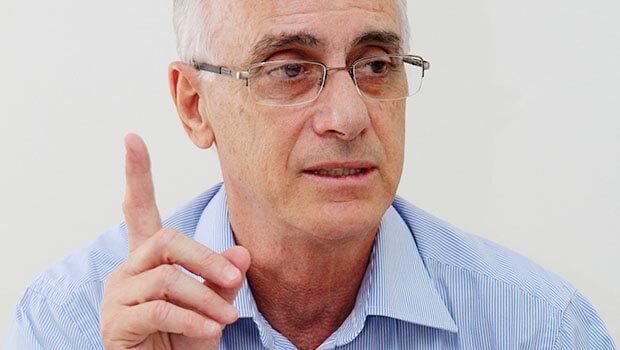 Reitor diz que não tem autonomia para interferir junto ao MEC