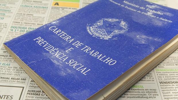 Brasil tem 8,2 milhões de pessoas desocupadas, aponta IBGE
