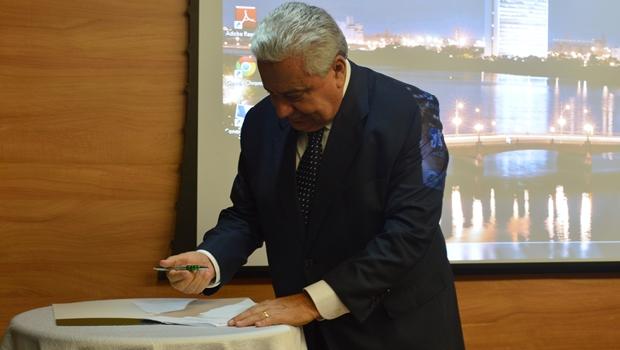 Vilmar Rocha devolve R$ 16 mil aos cofres do Estado