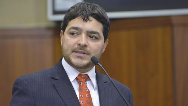 Antes de discussão, Henrique Arantes defende escolha de Ricardo Rocha