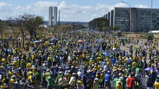 Manifestação na Esplanada dos Ministérios | Foto: Valter Campanato/Agência Brasil