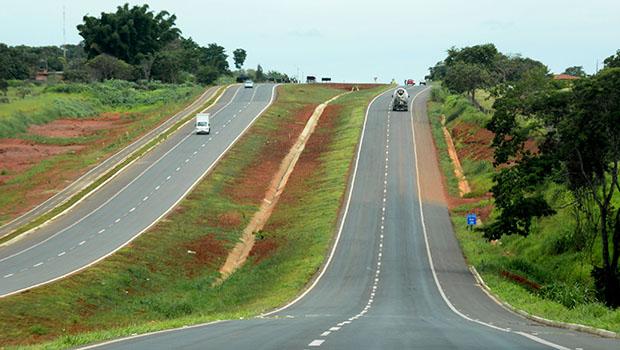 Projeto que privatiza trechos de seis rodovias é aprovado em definitivo