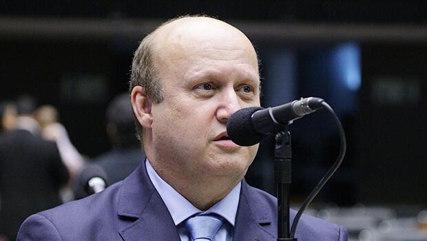 Célio Silveira diz que revê decisão de sair do PSDB