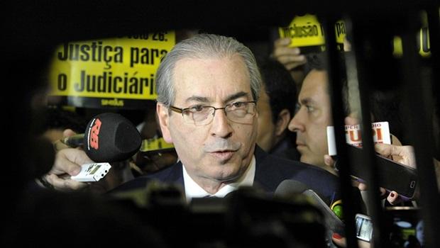 Deputados elaboram pedido de afastamento de Eduardo Cunha
