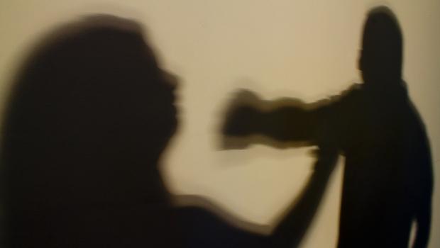 Novas medidas de combate à violência doméstica durante pandemia são aprovadas na Câmara