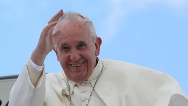 Papa anuncia que vai simplificar procedimento para anulação de casamentos