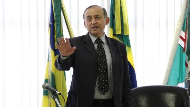 Presidente da Câmara dá 48 horas para Neyde Aparecida apresentar documentos