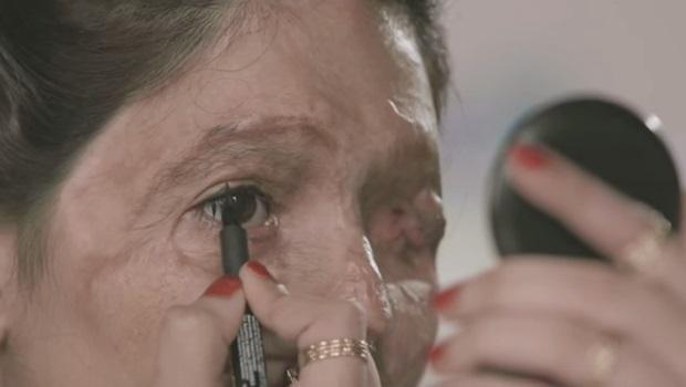 Movimento usa tutorial de maquiagem para tentar impedir venda de ácido