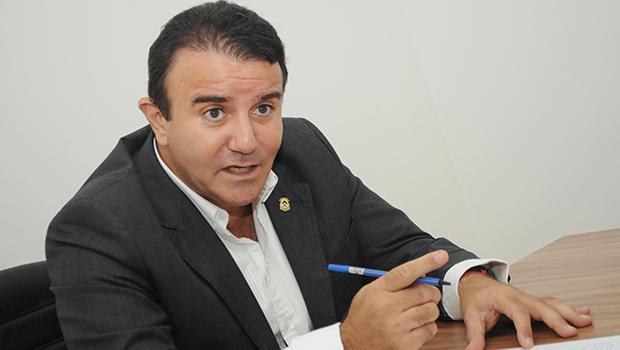 Diverticulite tira Eduardo Siqueira Campos da Assembleia por 121 dias