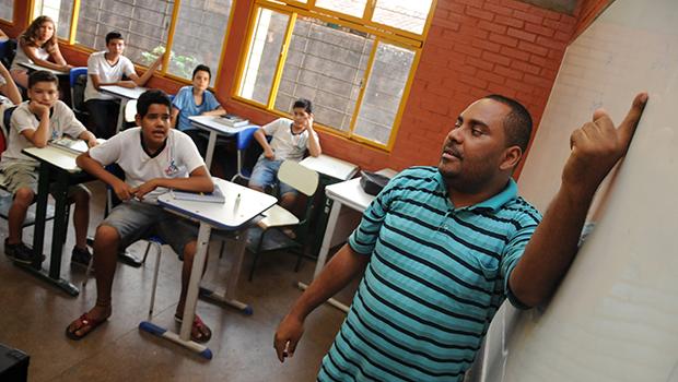 Educação brasileira não melhorará enquanto as crianças tiverem dificuldade em ler, escrever e fazer contas