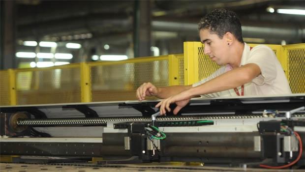 Para crescer no mercado, é necessário se inovar. Na foto, é possível ver parte de uma linha de produção automatizada | Fotos: Renan Accioly