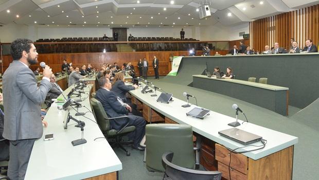 Deputados defendem maiores atribuições para as Assembleias