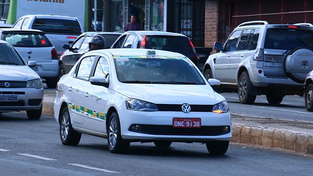 Para competir com Uber, taxistas de Goiânia reduzem corridas em 30%