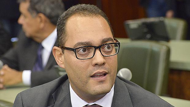 Virmondes Cruvinel deixa o PSD de Vilmar Rocha e deve se filiar ao PPS de Marcos Abrão