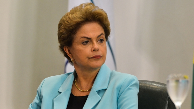 """""""Opinião do PT não é a opinião do governo"""", diz Dilma"""
