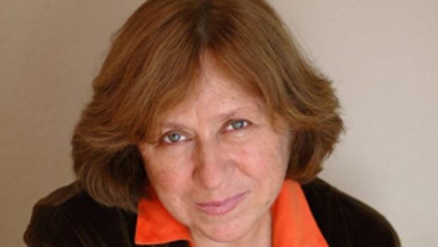 Academia Sueca premia política e não literatura ao conceder Nobel a Svetlana Alexievich