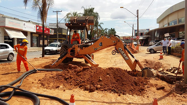 Operários intensificam trabalho no Corredor T-7